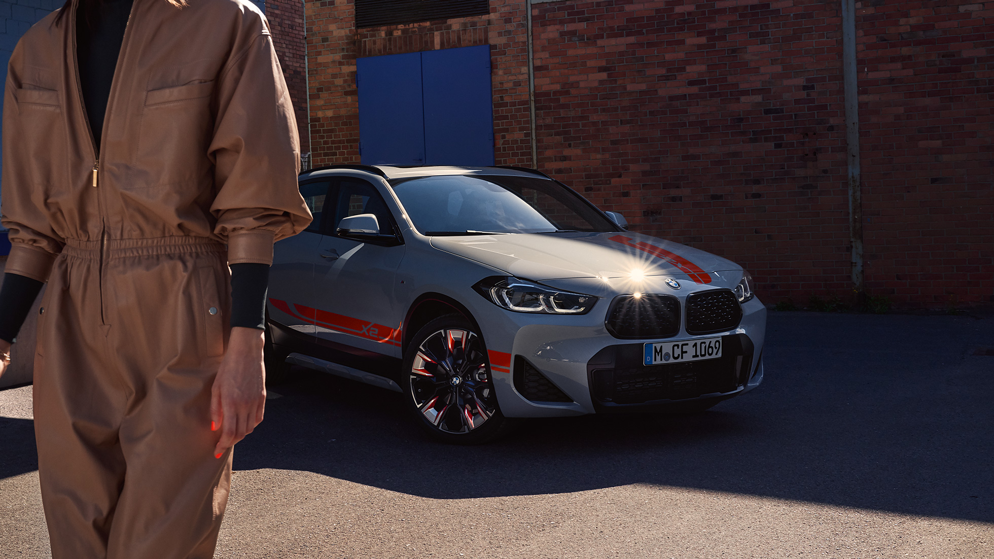 BMW X2 2018 F39 Galvanic Gold metallic front view Double kidney